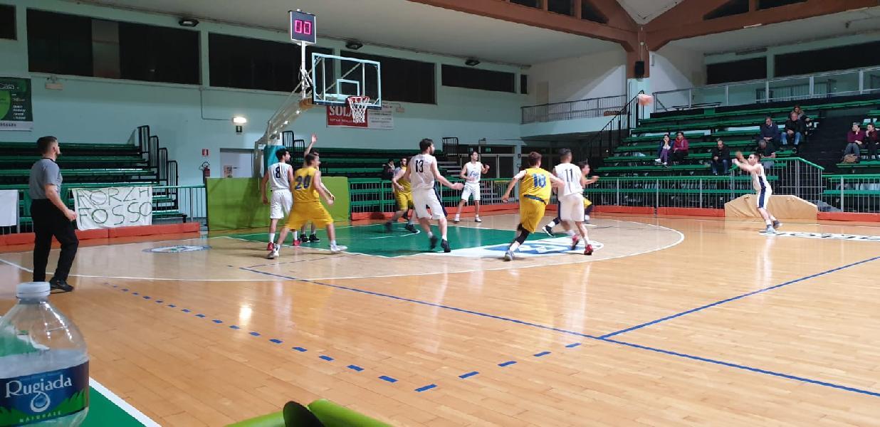 https://www.basketmarche.it/immagini_articoli/13-04-2019/coppa-legno-basket-cagli-espugna-fossombrone-aggiudica-trofeo-600.jpg