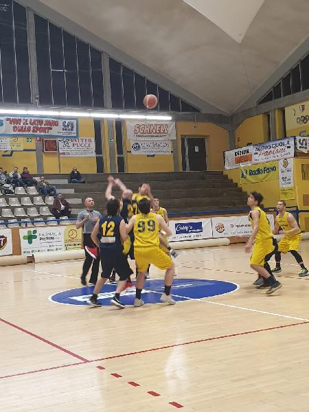 https://www.basketmarche.it/immagini_articoli/13-04-2019/playout-basket-fanum-supera-victoria-fermo-conquista-600.jpg