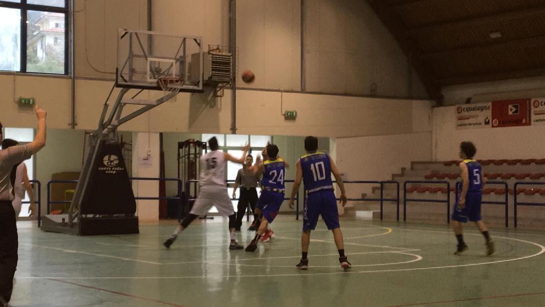 https://www.basketmarche.it/immagini_articoli/13-04-2019/regionale-playoff-live-gara-risultati-gare-sabato-tempo-reale-600.jpg
