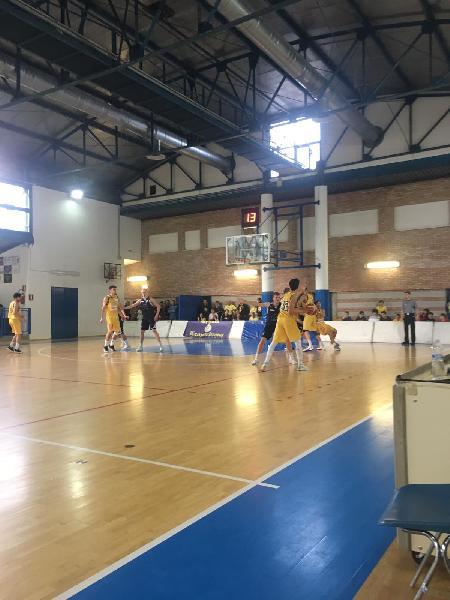 https://www.basketmarche.it/immagini_articoli/13-04-2019/silver-playoff-basket-aquilano-cerca-riscatto-pallacanestro-recanati-600.jpg