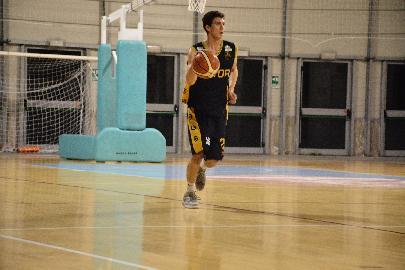 https://www.basketmarche.it/immagini_articoli/13-05-2018/serie-c-silver-finali-playoff-gara-3-brutta-sconfitta-per-la-sutor-montegranaro-a-matelica-270.jpg