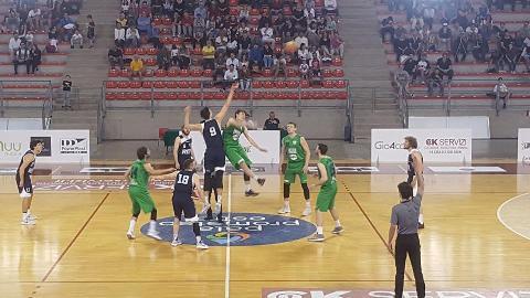 https://www.basketmarche.it/immagini_articoli/13-05-2018/serie-c-silver-playoff-gara-3-il-campetto-ancona-batte-il-bramante-pesaro-e-va-avanti-2-1-270.jpg