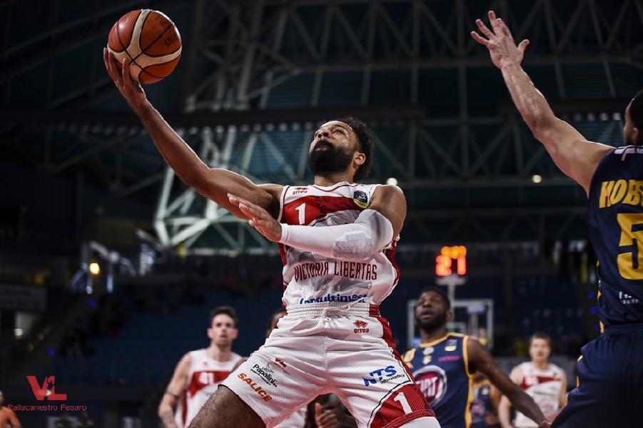 https://www.basketmarche.it/immagini_articoli/13-05-2019/chiude-sconfitta-torino-stagione-vuelle-pesaro-600.jpg
