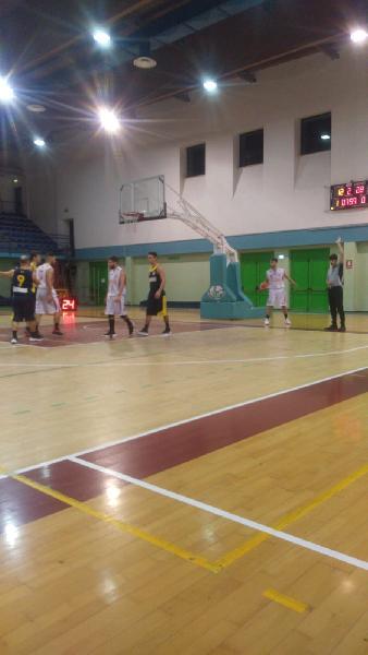 https://www.basketmarche.it/immagini_articoli/13-05-2019/regionale-playout-date-ufficiali-decisiva-sfida-victoria-fermo-sacrata-porto-potenza-600.jpg