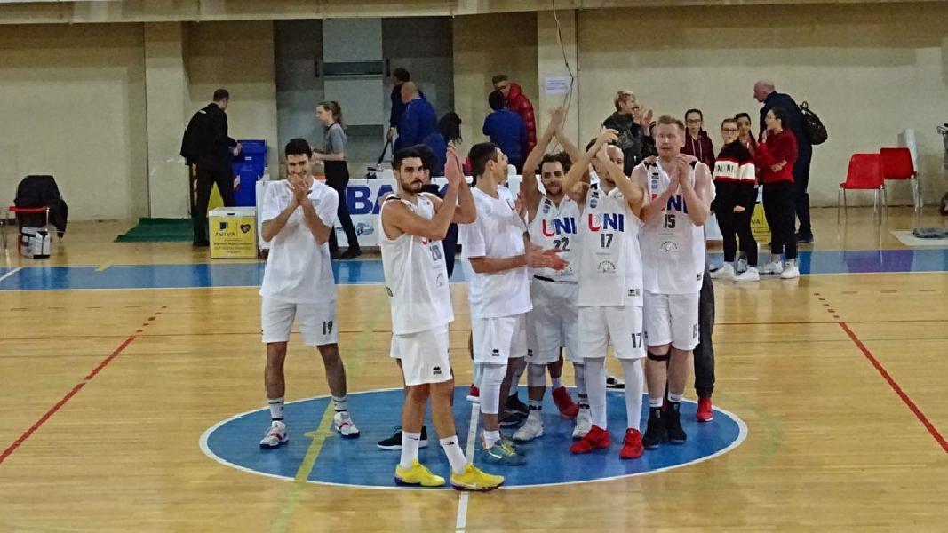 https://www.basketmarche.it/immagini_articoli/13-05-2019/serie-gold-playoff-spengono-gara-sogni-finale-unibasket-lanciano-600.jpg