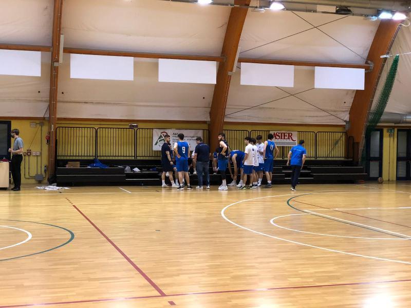 https://www.basketmarche.it/immagini_articoli/13-05-2021/gold-super-gulini-trascina-janus-fabriano-vittoria-campo-pesaro-600.jpg