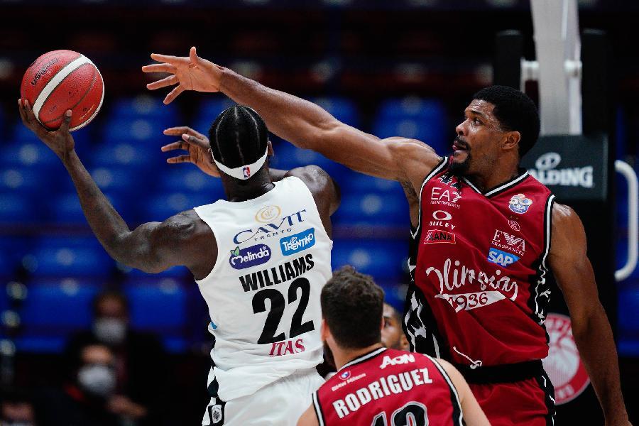 https://www.basketmarche.it/immagini_articoli/13-05-2021/olimpia-milano-coach-messina-trento-avversario-molto-aggressivo-dovremo-giocare-pazienza-600.jpg