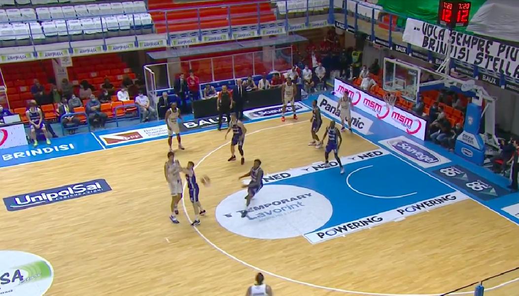 https://www.basketmarche.it/immagini_articoli/13-05-2021/playoff-convincente-vittoria-happy-casa-brindisi-pallacanestro-trieste-600.png