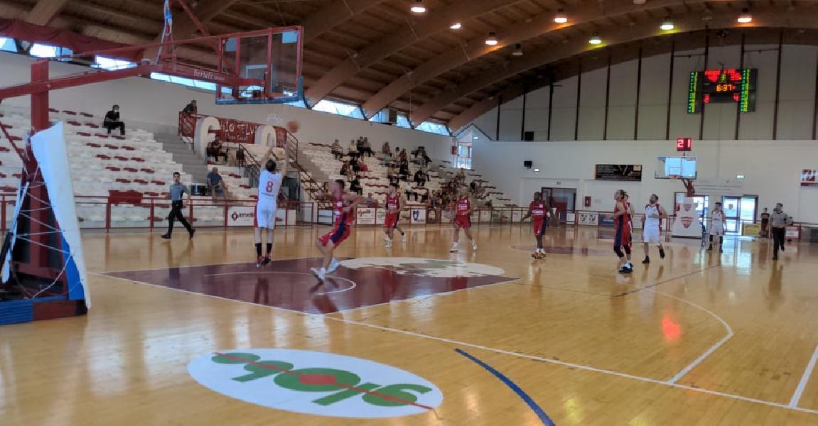 https://www.basketmarche.it/immagini_articoli/13-06-2021/playoff-farnese-campli-parte-bene-chem-virtus-porto-giorgio-600.jpg