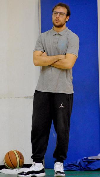 https://www.basketmarche.it/immagini_articoli/13-07-2020/ufficiale-fabio-giampieri-allenatore-senigallia-basket-2020-anche-prossima-stagione-600.jpg
