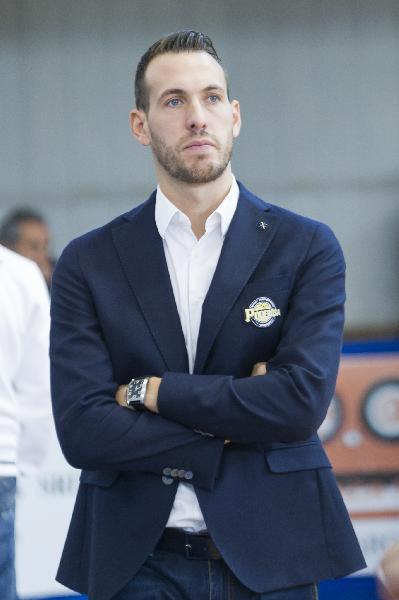 https://www.basketmarche.it/immagini_articoli/13-07-2021/ufficiale-gabriele-ceccarelli-allenatore-rieti-600.jpg