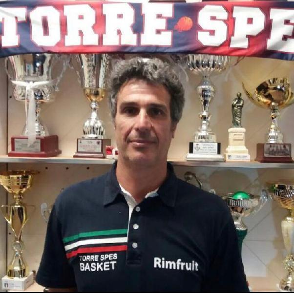https://www.basketmarche.it/immagini_articoli/13-07-2021/ufficiale-separano-strade-torre-spes-coach-alfredo-patricelli-600.jpg