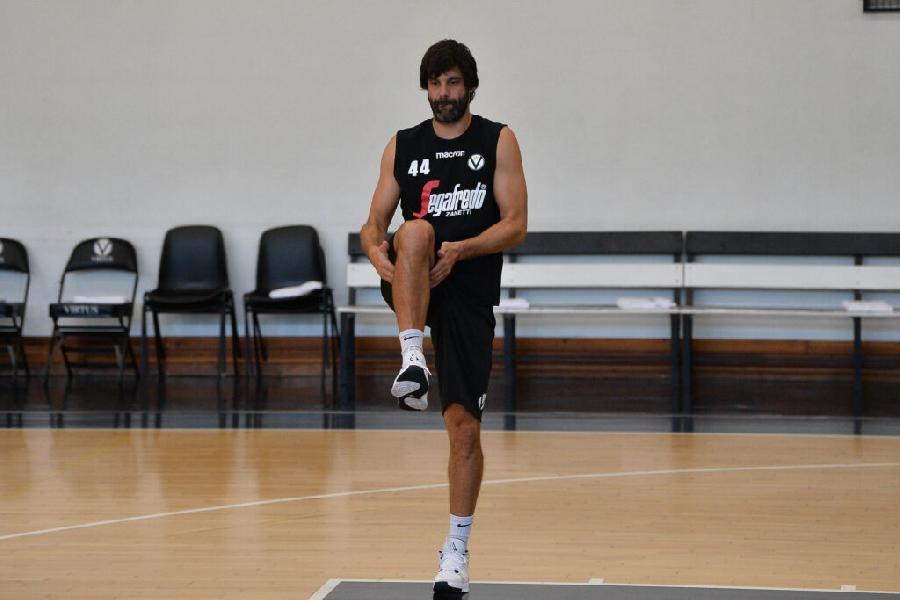 https://www.basketmarche.it/immagini_articoli/13-08-2020/virtus-bologna-domani-ritiro-folgaria-amichevoli-programma-600.jpg