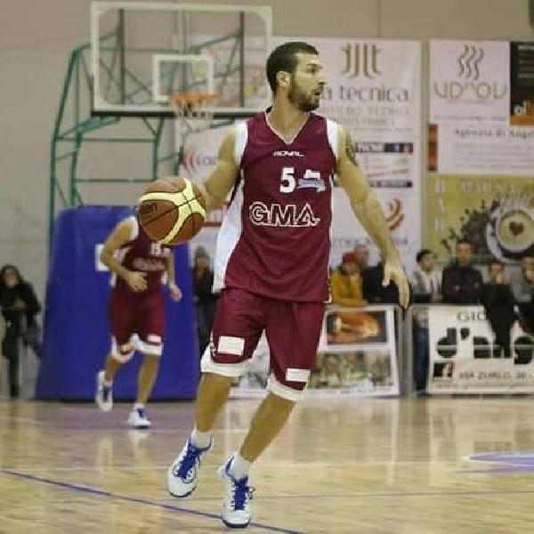 https://www.basketmarche.it/immagini_articoli/13-08-2021/ufficiale-stefano-orefice-playmaker-sunshine-basket-vieste-600.jpg