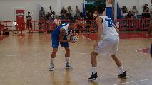 https://www.basketmarche.it/immagini_articoli/13-09-2019/memorial-mazzoni-janus-fabriano-supera-ferrara-basket-finale-sfida-tramec-cento-120.jpg
