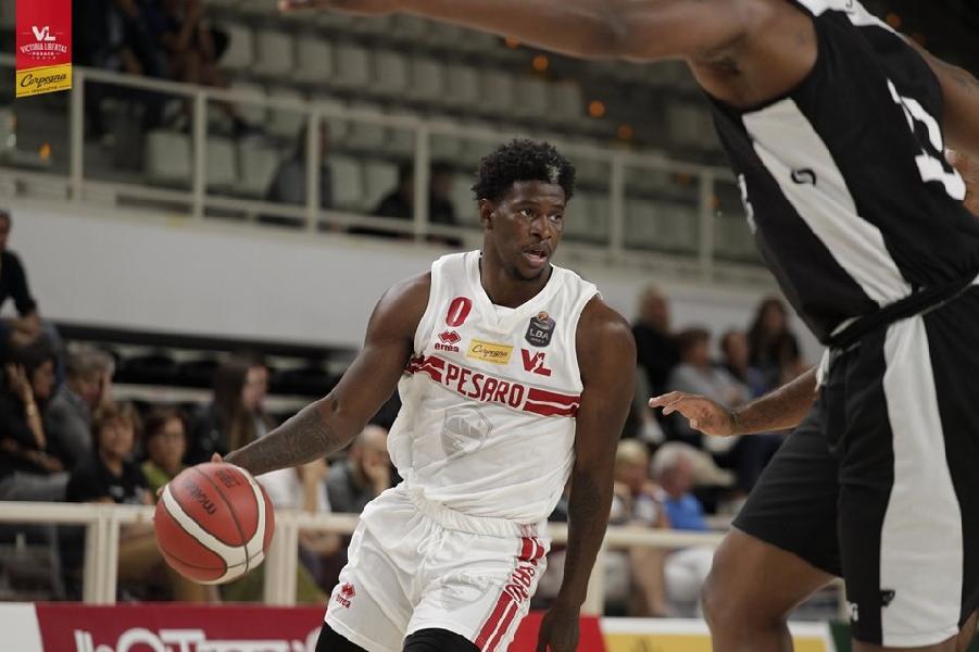 https://www.basketmarche.it/immagini_articoli/13-09-2019/netta-vittoria-pallacanestro-reggiana-carpegna-prosciutto-basket-pesaro-600.jpg
