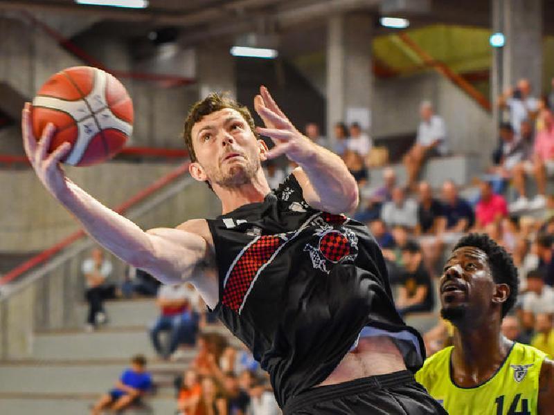 https://www.basketmarche.it/immagini_articoli/13-09-2019/oriora-pistoia-supera-fortitudo-bologna-conquista-finale-torneo-spezia-600.jpg
