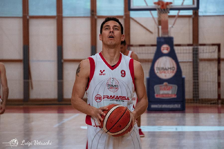 https://www.basketmarche.it/immagini_articoli/13-09-2019/teramo-spicchi-supera-ascoli-basket-prepara-test-sambenedettese-600.jpg