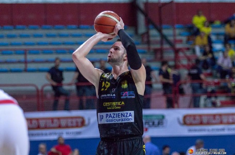 https://www.basketmarche.it/immagini_articoli/13-09-2019/ufficiale-porto-sant-elpidio-basket-firma-centro-riccardo-malagoli-600.jpg