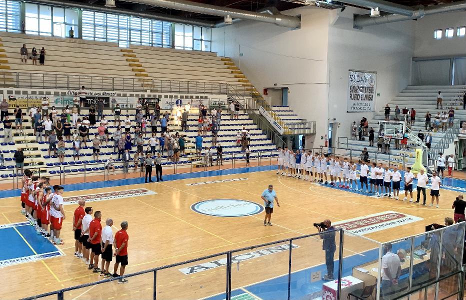 https://www.basketmarche.it/immagini_articoli/13-09-2021/teramo-spicchi-coach-salvemini-abbiamo-avuto-prestazione-troppo-altalenante-600.jpg