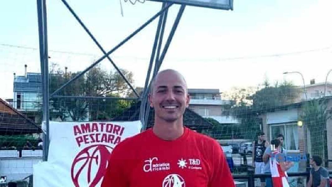 https://www.basketmarche.it/immagini_articoli/13-09-2021/ufficiale-teramo-basket-firma-stefano-moretti-600.jpg
