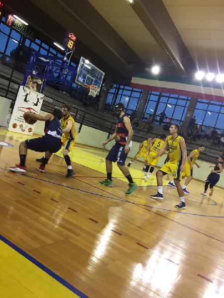 https://www.basketmarche.it/immagini_articoli/13-10-2018/virtus-assisi-punti-campo-basket-club-fratta-umbertide-600.jpg