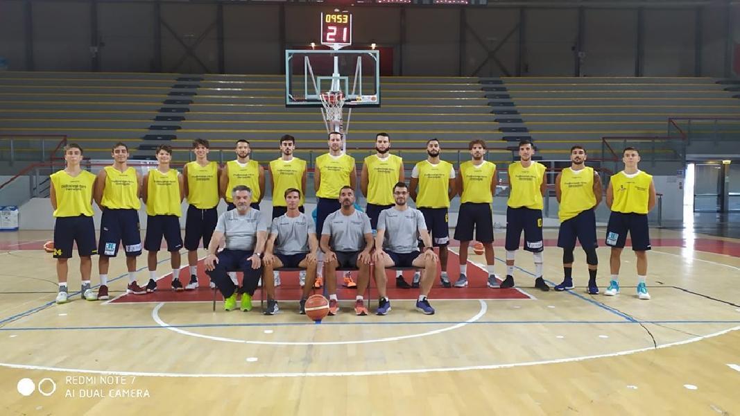 https://www.basketmarche.it/immagini_articoli/13-10-2019/prima-gioia-pallacanestro-recanati-coach-pesaresi-sono-molto-soddisfatto-lavoro-fatto-ragazzi-600.jpg