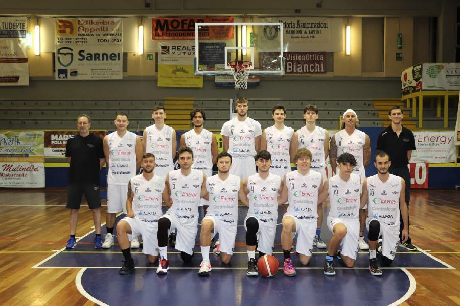 https://www.basketmarche.it/immagini_articoli/13-10-2021/basket-todi-coach-olivieri-importante-partire-vittoria-abbiamo-fatto-600.jpg