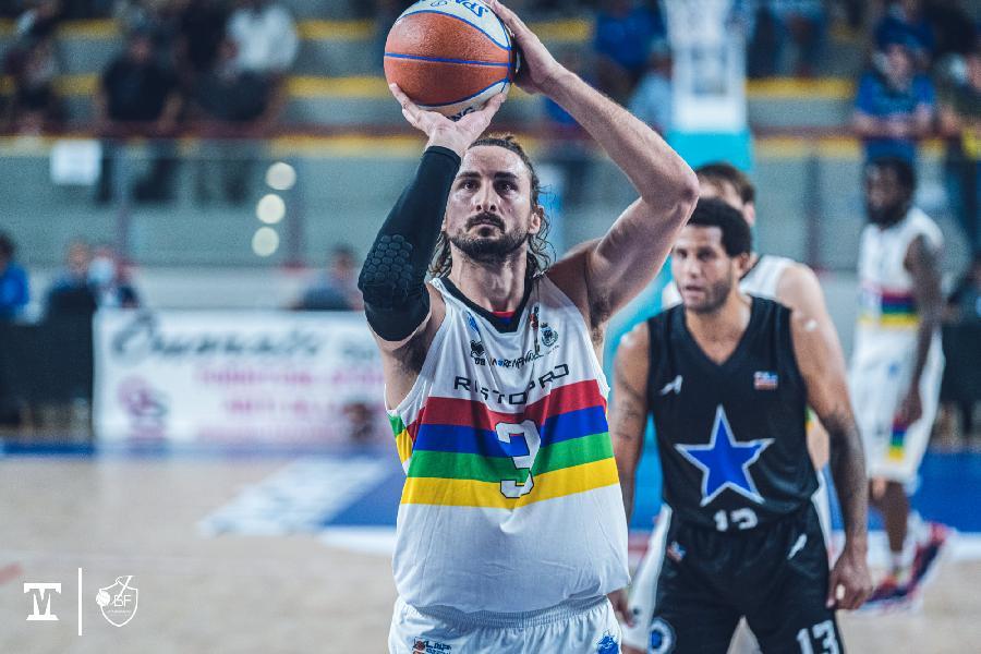 https://www.basketmarche.it/immagini_articoli/13-10-2021/janus-fabriano-patrick-baldassarre-severo-occorrer-tanta-serenit-altrettanta-voglia-vincere-600.jpg