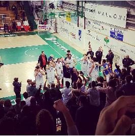 https://www.basketmarche.it/immagini_articoli/13-11-2017/serie-b-nazionale-porto-sant-elpidio-basket-dall-inferno-al-paradiso-battuta-recanati-270.jpg