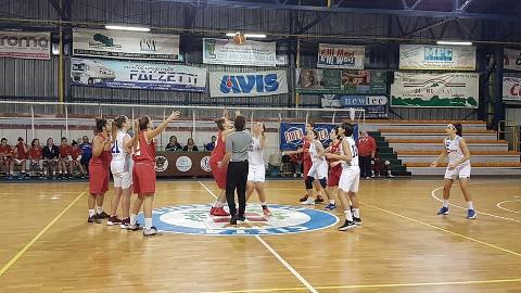 https://www.basketmarche.it/immagini_articoli/13-11-2017/serie-c-femminile-la-thunder-matelica-fabriano-supera-il-basket-girls-ancona-270.jpg