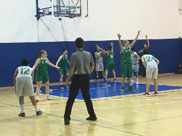 https://www.basketmarche.it/immagini_articoli/14-01-2018/serie-c-femminile-il-cus-ancona-espugna-il-campo-del-porto-san-giorgio-basket-270.jpg