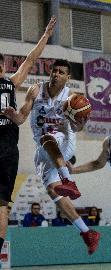 https://www.basketmarche.it/immagini_articoli/14-01-2018/serie-c-silver-la-vigor-matelica-festeggia-la-vittoria-ed-il-rientro-di-sorci-270.jpg