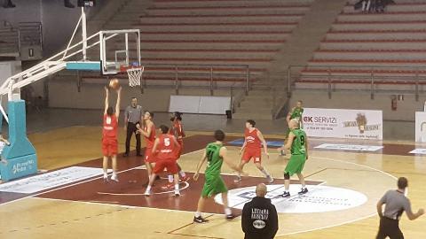 https://www.basketmarche.it/immagini_articoli/14-01-2018/serie-c-silver-netta-vittoria-per-il-campetto-ancona-contro-la-virtus-porto-san-giorgio-270.jpg