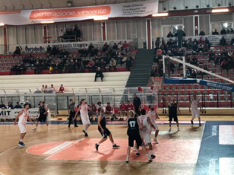 https://www.basketmarche.it/immagini_articoli/14-01-2019/vasto-basket-ferma-centra-tredici-600.jpg