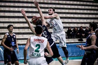 https://www.basketmarche.it/immagini_articoli/14-02-2018/under-20-eccellenza-la-mens-sana-siena-vince-il-derby-contro-la-virtus-siena-270.jpg