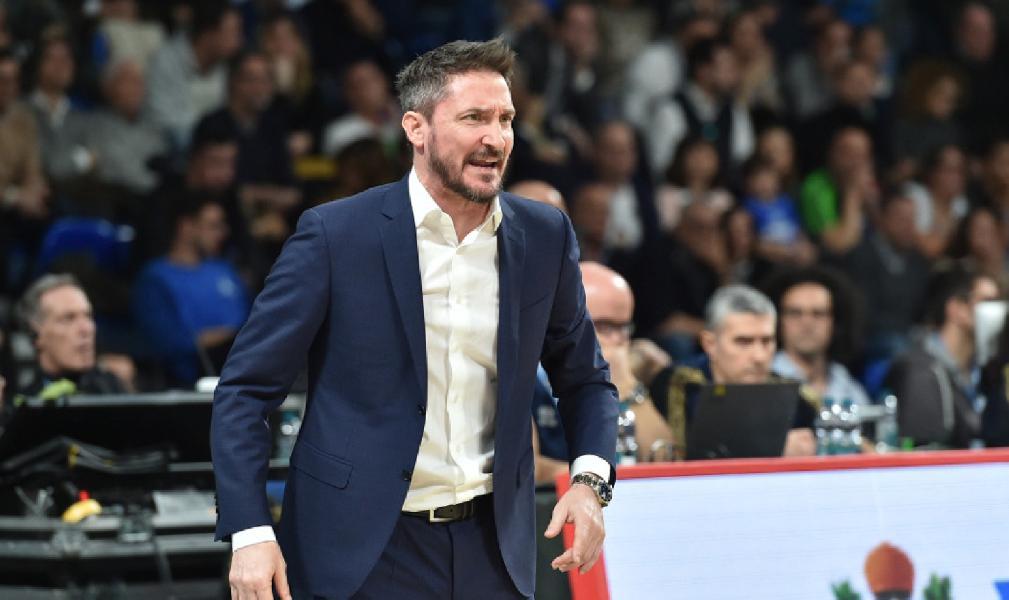 https://www.basketmarche.it/immagini_articoli/14-02-2020/dinamo-sassari-coach-pozzecco-nessun-rimpianto-complimenti-brindisi-600.jpg