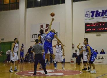 https://www.basketmarche.it/immagini_articoli/14-04-2018/serie-b-nazionale-la-virtus-civitanova-cerca-a-cerignola-i-punti-per-i-playoff-270.jpg