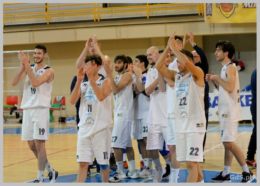https://www.basketmarche.it/immagini_articoli/14-04-2019/gold-playoff-unibasket-lanciano-supera-nettamente-sambenedettese-basket-600.jpg