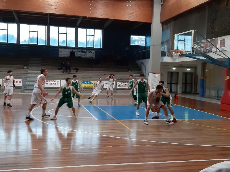 https://www.basketmarche.it/immagini_articoli/14-04-2019/regionale-playout-gara-severino-fano-pesaro-confermano-fattore-campo-senigallia-corsara-600.jpg