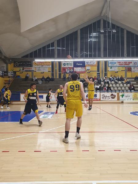 https://www.basketmarche.it/immagini_articoli/14-04-2019/regionale-playout-victoria-fermo-sconfitta-campo-basket-fanum-600.jpg