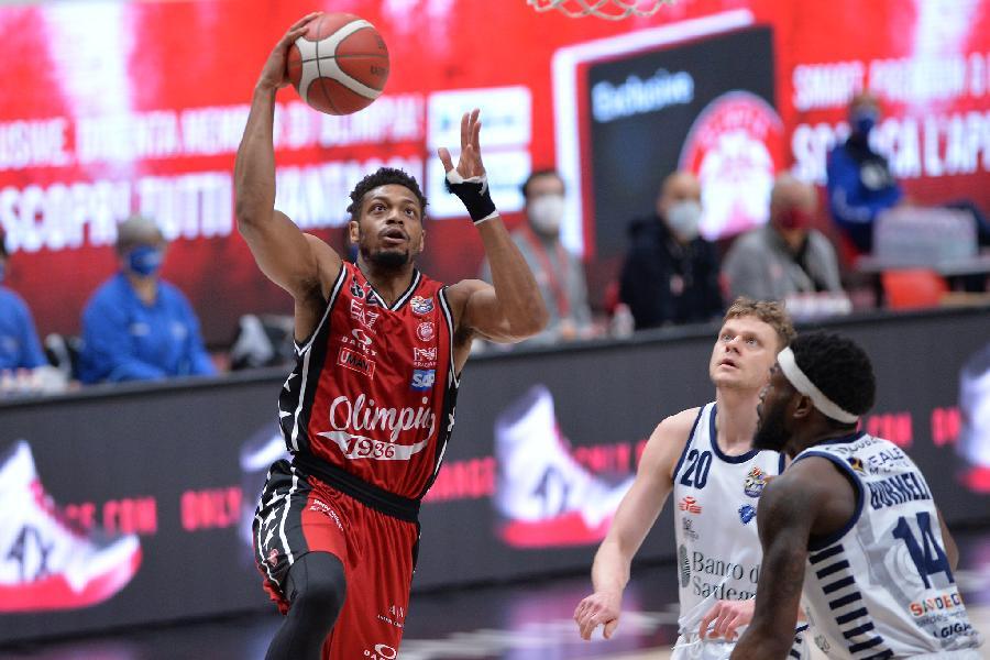 https://www.basketmarche.it/immagini_articoli/14-04-2021/olimpia-milano-trasferta-sassari-coach-messina-partita-complessa-attraversiamo-buon-momento-600.jpg