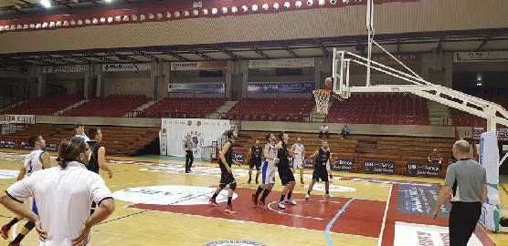 https://www.basketmarche.it/immagini_articoli/14-05-2018/d-regionale-playoff-finali-gara-1-l-aesis-jesi-parte-con-il-piede-giusto-contro-acqualagna-270.jpg