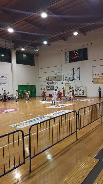 https://www.basketmarche.it/immagini_articoli/14-05-2021/ponte-morrovalle-espugna-campo-88ers-civitanova-600.jpg