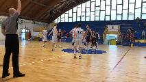 https://www.basketmarche.it/immagini_articoli/14-06-2021/unibasket-lanciano-mani-vuote-trasferta-campo-vigor-matelica-120.jpg