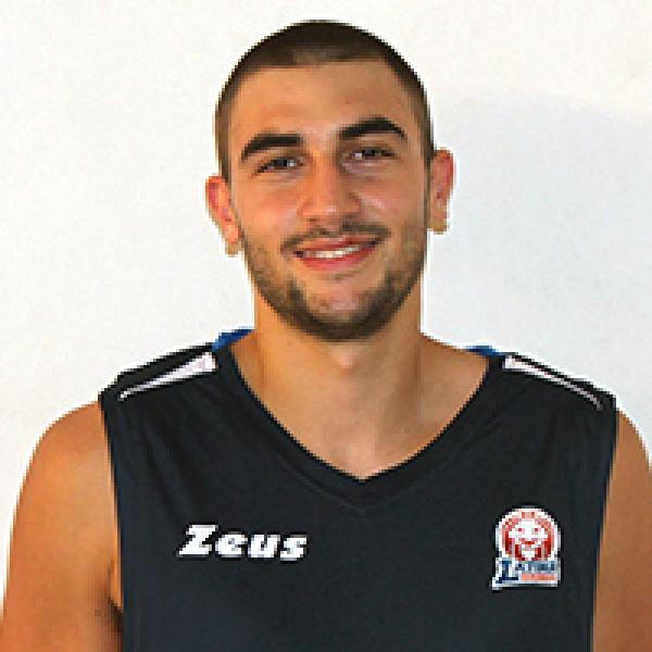 https://www.basketmarche.it/immagini_articoli/14-07-2020/campoformido-fari-puntati-talento-marchigiano-alessandro-cassese-600.jpg