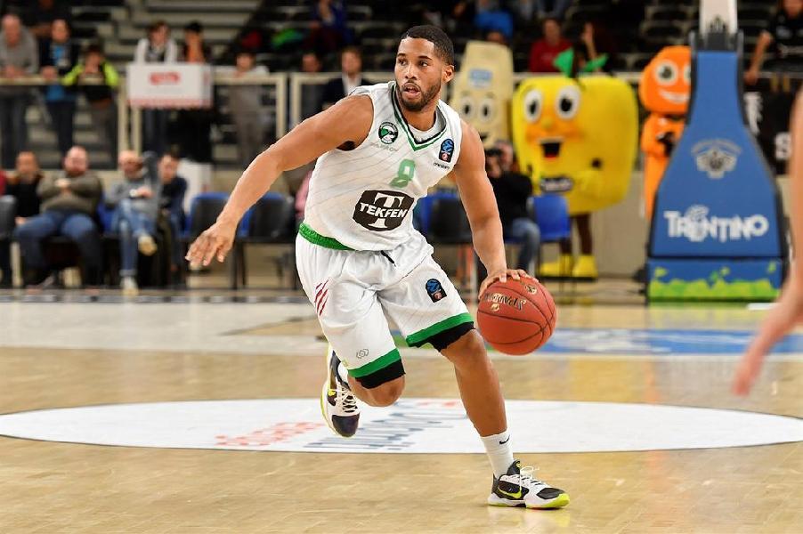 https://www.basketmarche.it/immagini_articoli/14-07-2020/ufficiale-gary-browne-playmaker-dellaquila-basket-trento-600.jpg
