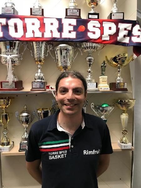 https://www.basketmarche.it/immagini_articoli/14-07-2021/ufficiale-torre-spes-coach-emiliano-ortenzio-insieme-anche-prossima-stagione-600.jpg