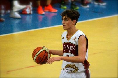 https://www.basketmarche.it/immagini_articoli/14-08-2017/serie-b-nazionale-lo-janus-fabriano-annuncia-l-ingaggio-di-un-nuovo-playmaker-270.jpg