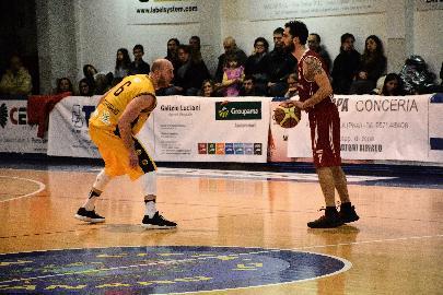 https://www.basketmarche.it/immagini_articoli/14-08-2018/serie-c-gold-lanfranco-mosconi-è-il-nuovo-colpo-di-mercato-della-sutor-montegranaro-270.jpg